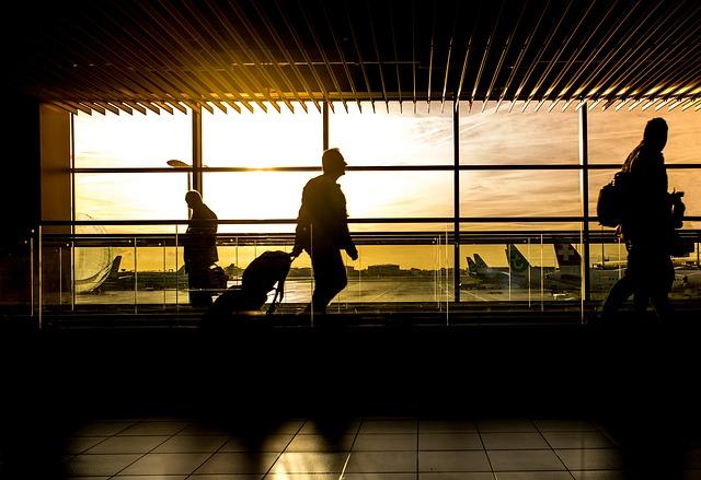 空港とビジネスマン