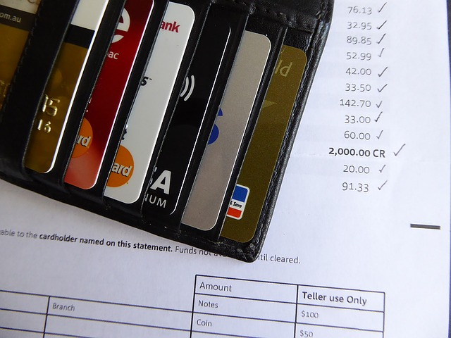 クレジットカードと書類